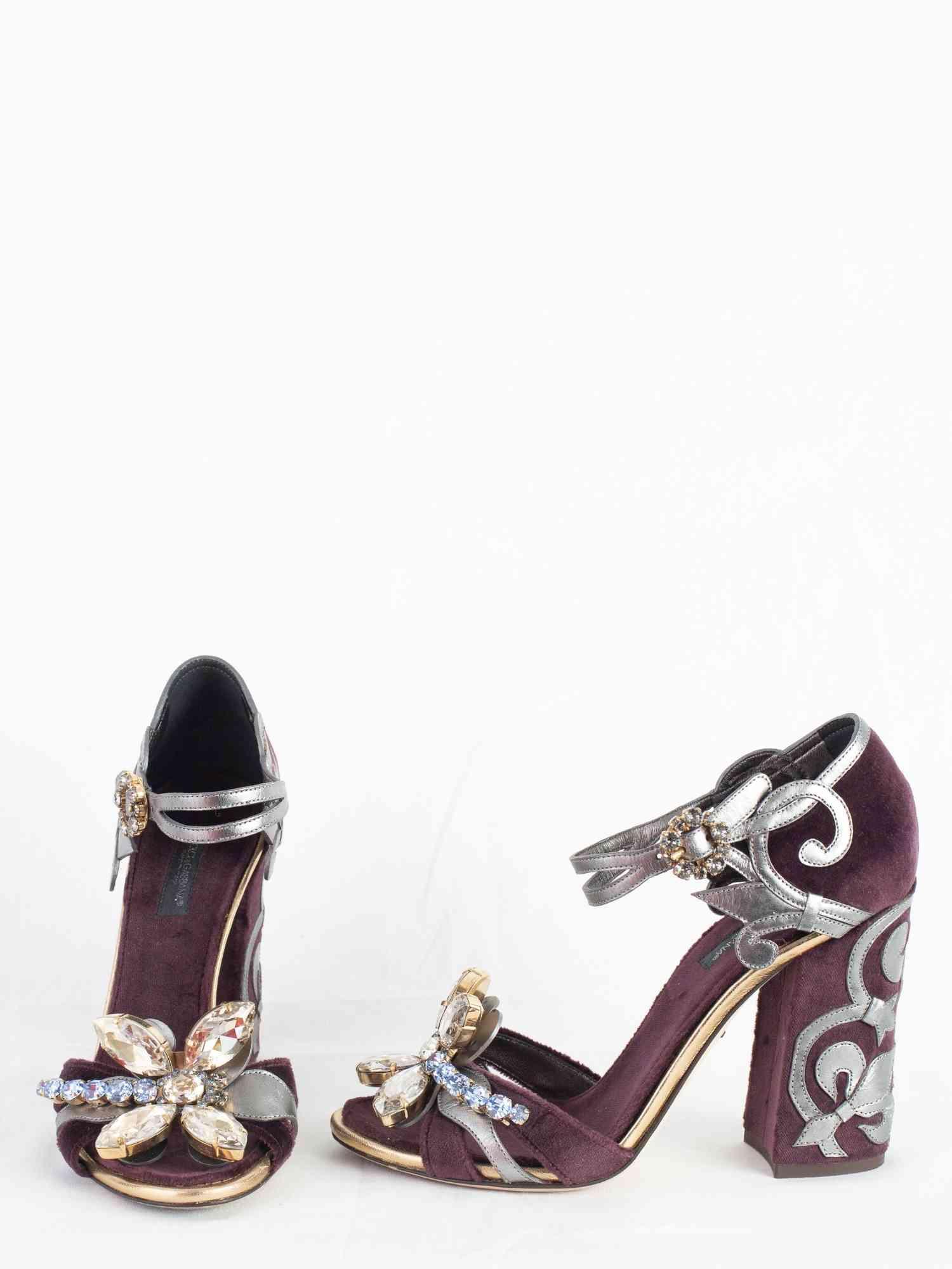 Sandália Dolce & Gabbana com Pedrarias