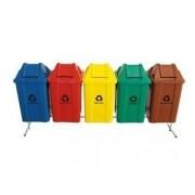 Conjunto para coleta seletiva com 05 cestos quadrados com tampa vai e vem 100 litros