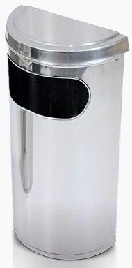 Lixeira com aro meia lua com tampa fechada  e abertura lateral em aço inox 40 litros
