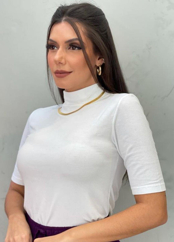 Blusa Canelada gola alta Off-White