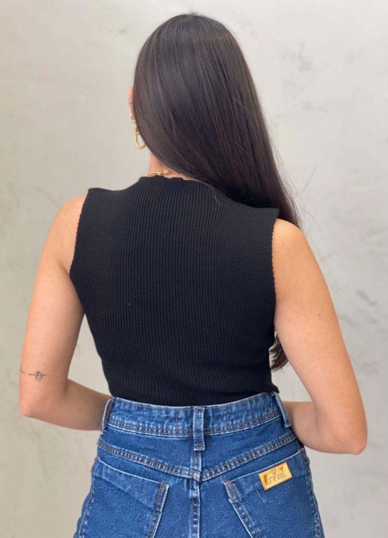 Blusa de  Tricot bico preta