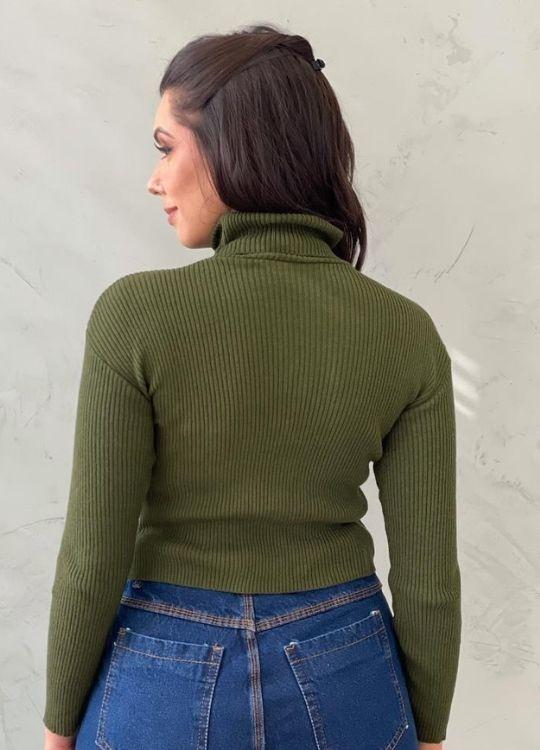 Blusa de tricot gola alta verde