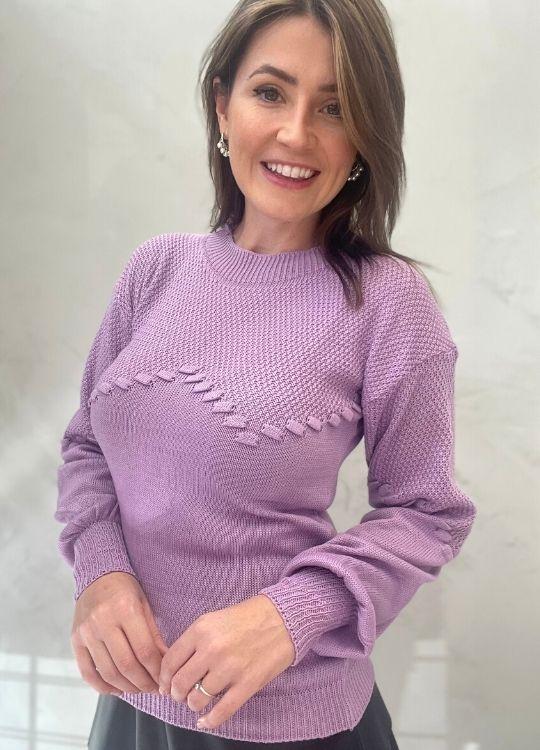 Blusa de tricot roxo trabalhado