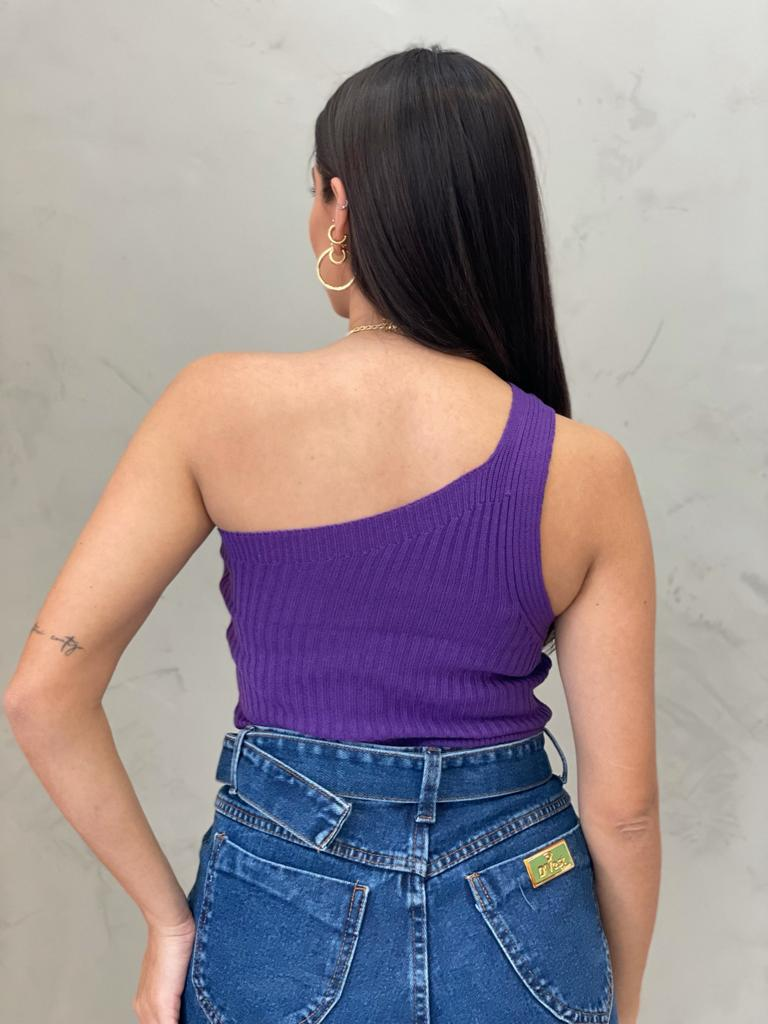 Blusa de  Tricot um ombro só roxa