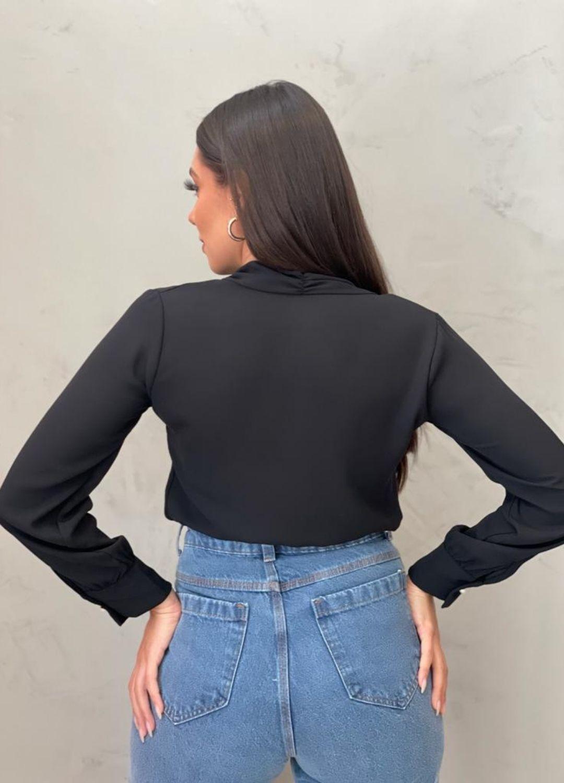 Blusa Preta manga longa em chiffon