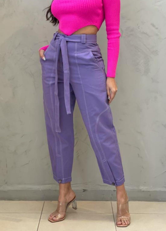 Calça Cenoura jeans lavanda