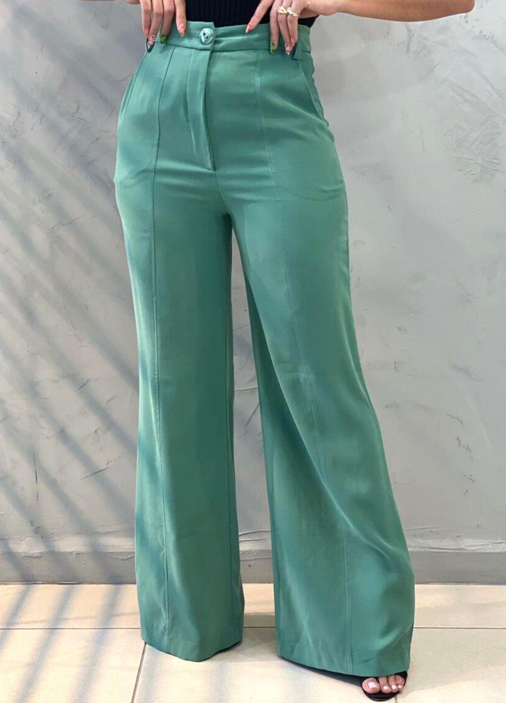 Calça Pantalona verde chá