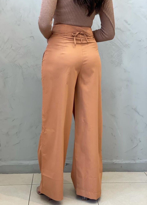 Calça Pantalona caramelo