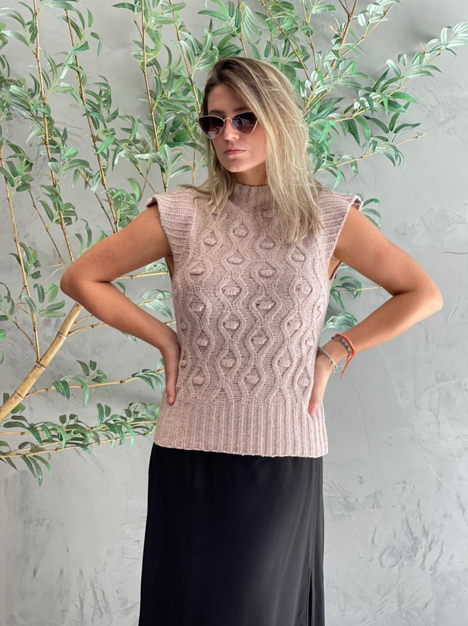 Colete de tricot rosa chá