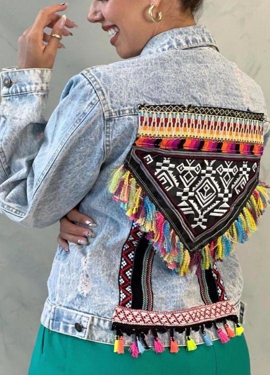 Jaqueta Jeans com aplicação