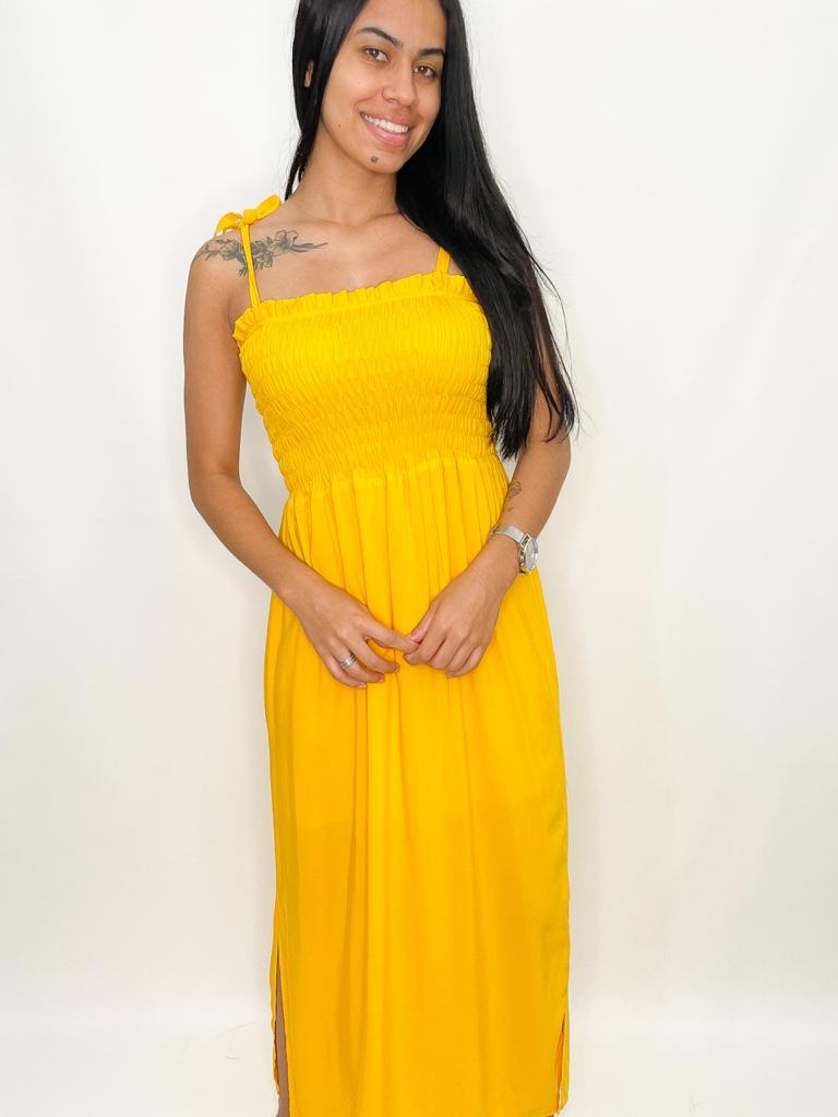 Vestido Amarelo com Lastex no Busto