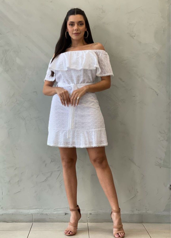 Vestido curto branco de laise