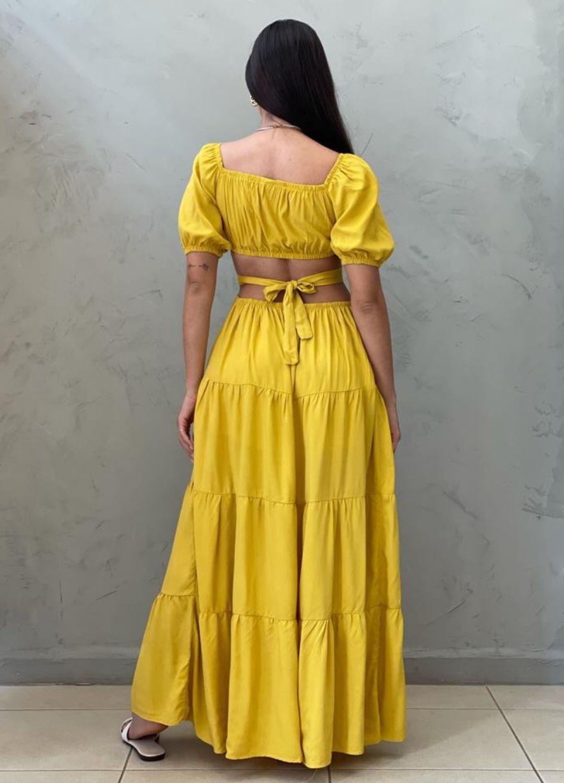 Vestido longo abetura mostarda