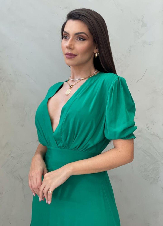 Vestido longo acinturado verde