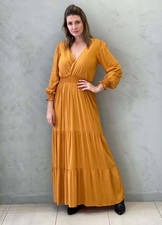 Vestido Longo em Viscose Mostarda