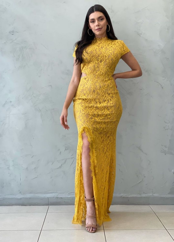 Vestido longo mostarda