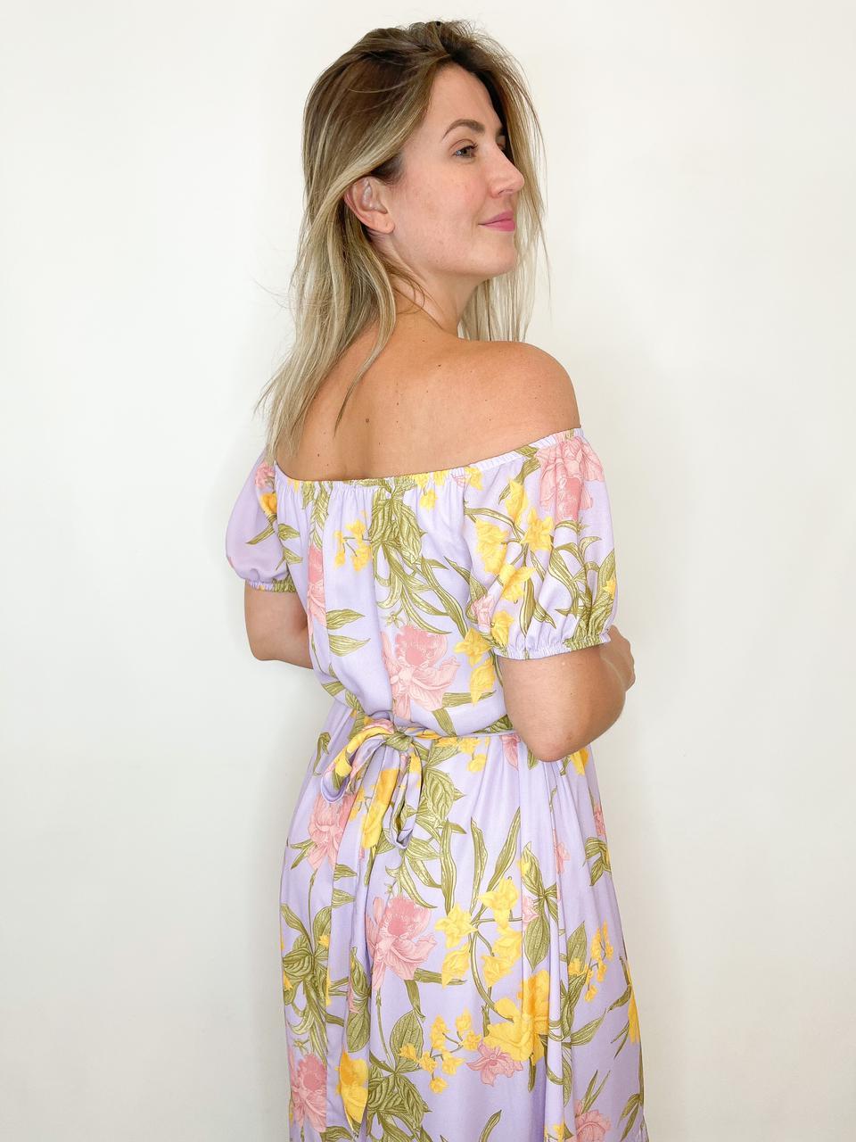 Vestido midi amplo estampado lilás