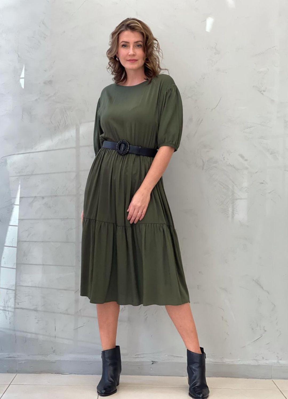 Vestido Midi Amplo verde militar