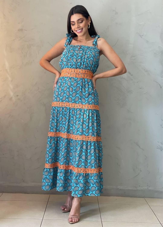 Vestido max Midi azul e laranja estampado