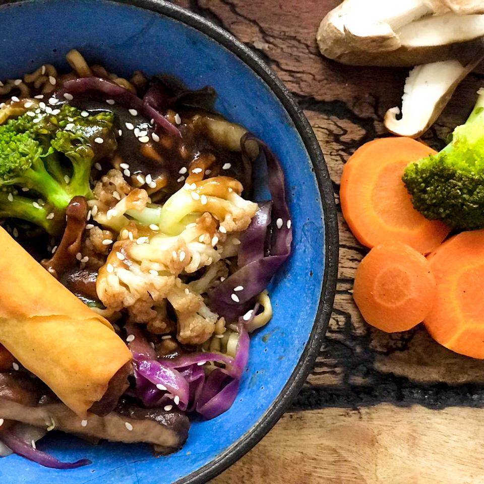 Yakisoba de Vegetais e Cogumelos