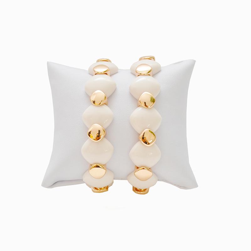 Pulseira em Formato Losango Dourada e cor marfim