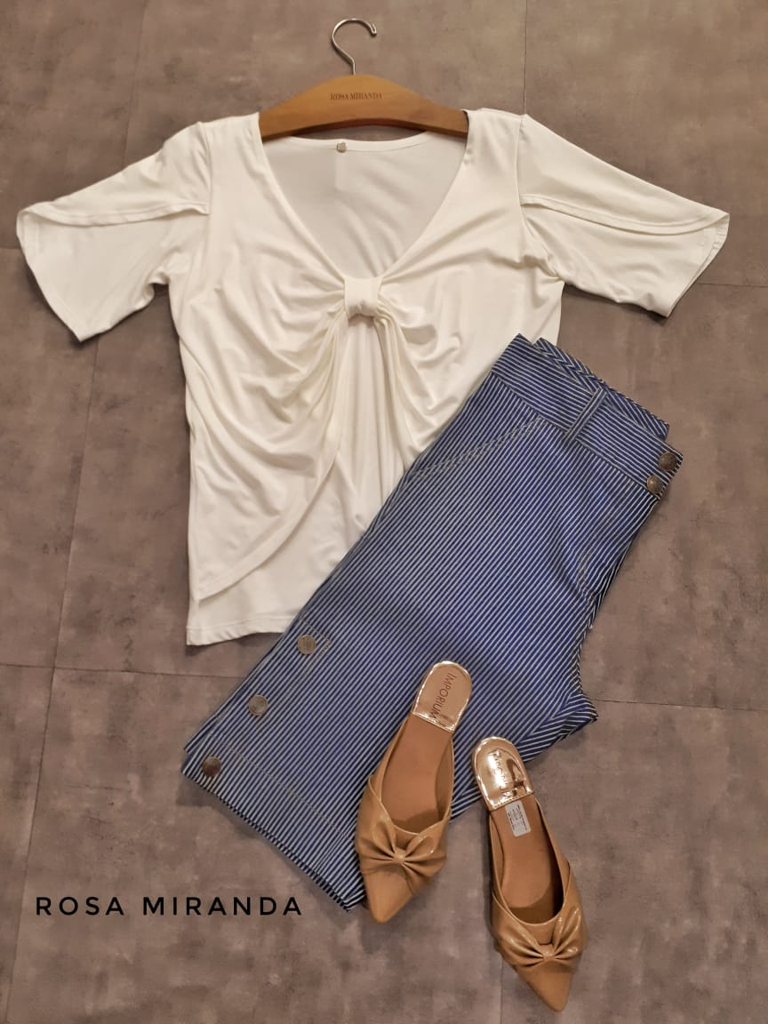 Blusa malha detalhe laço