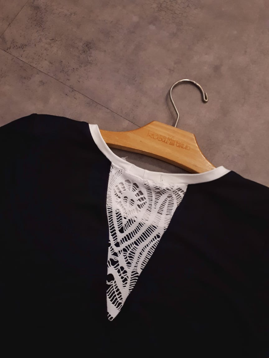 Blusa recorte v renda costas