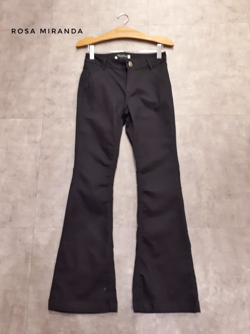 Calça flare black jeans