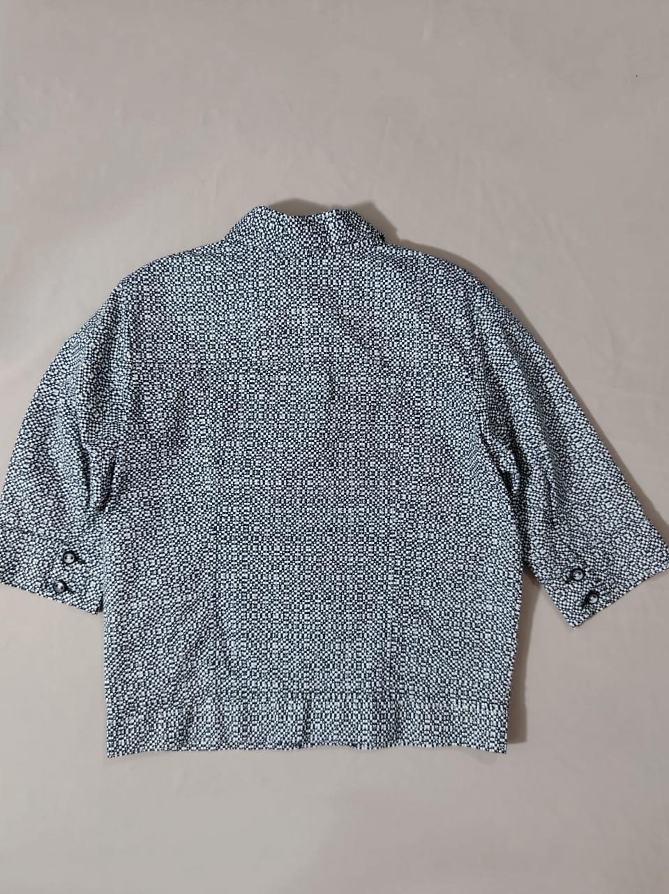 Jaqueta algodão estampa em preto e branco