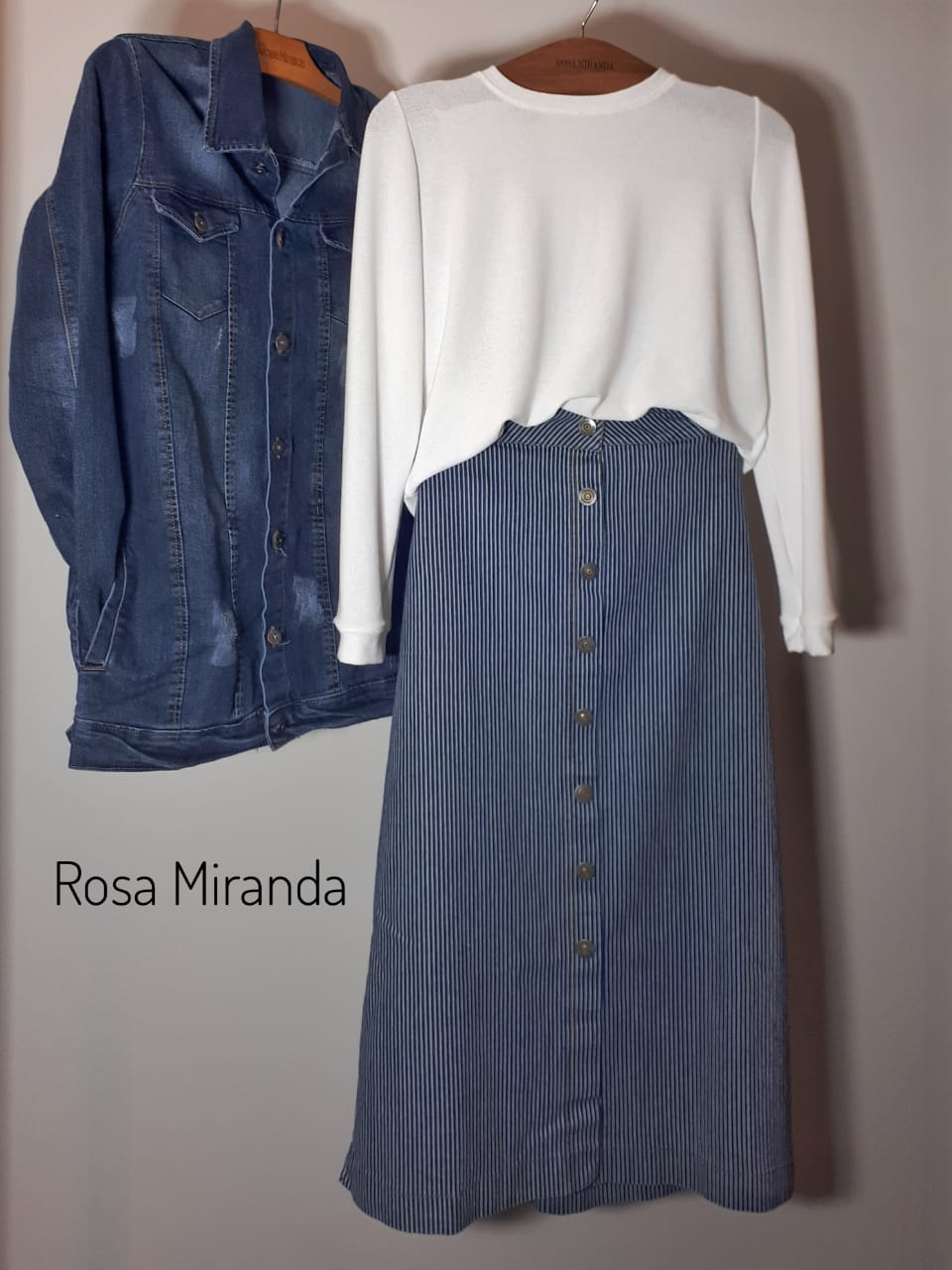 Saia jeans listrado abotoamento frente