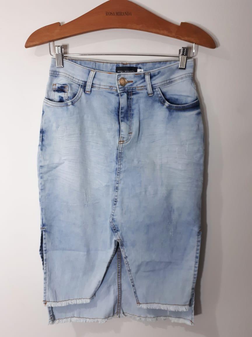 Saia jeans reta lavagem clara especial