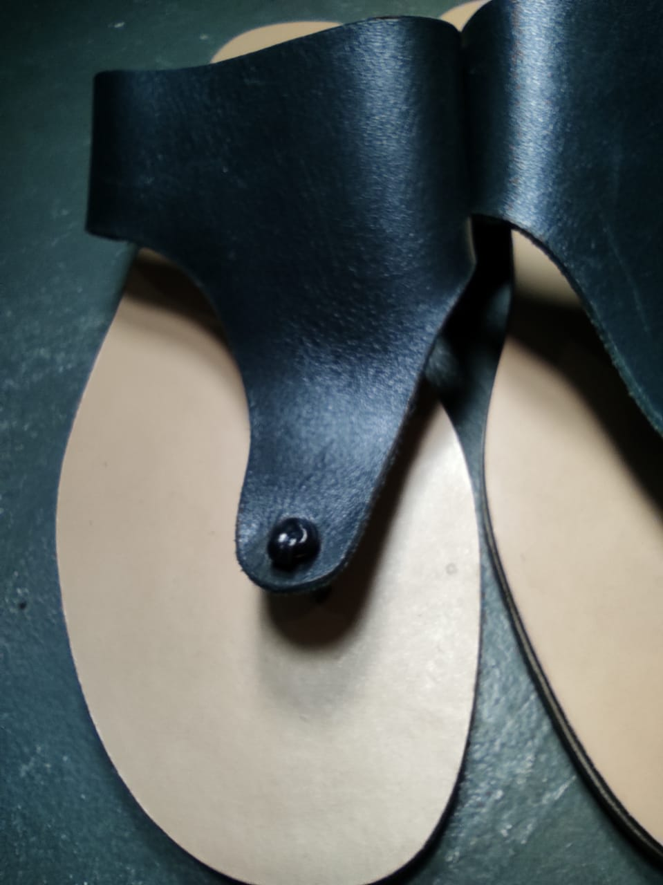 Sandália rasteira couro