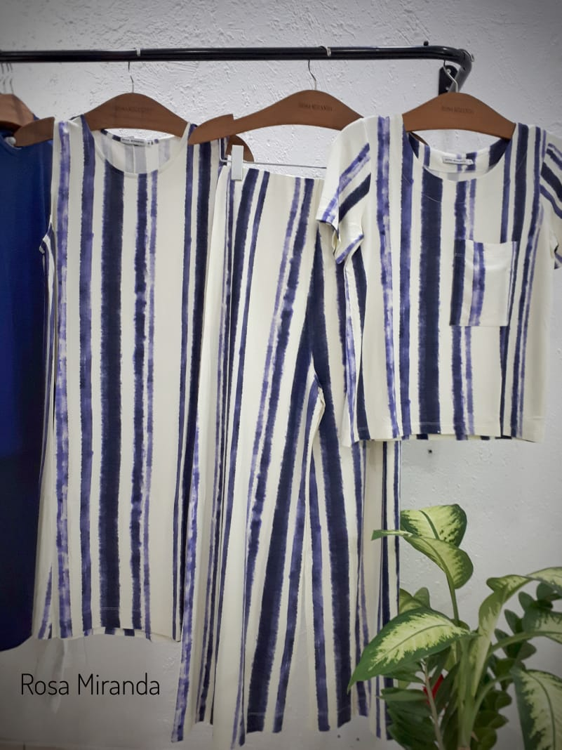 T-shirt moletinho listras tie dye