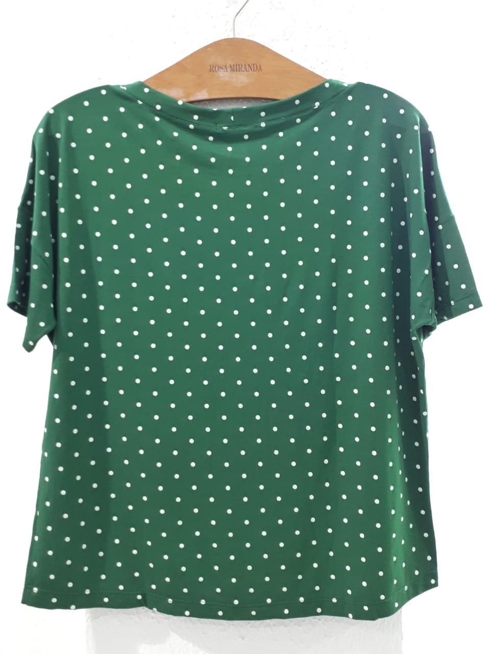 T-shirt verde poás com bolsinho