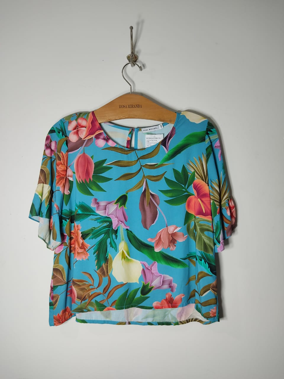 T-shirt viscose estampada manga curta barra com babado