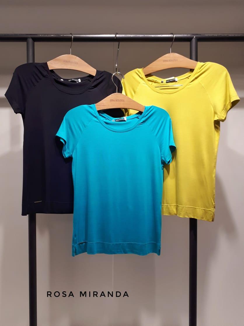 T-shirts básicas malha manga raglan