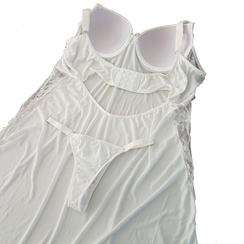 Camisola  Branca  Plus Size Com Bojo de Liganete e Renda Tamanho 48