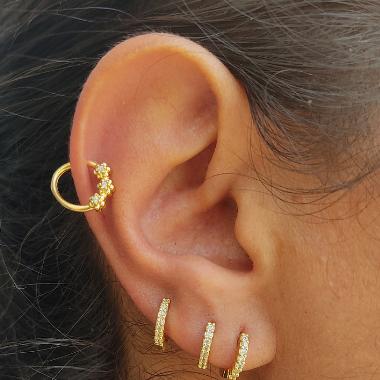 Piercing de furo Florzinhas Banhado em ouro18k