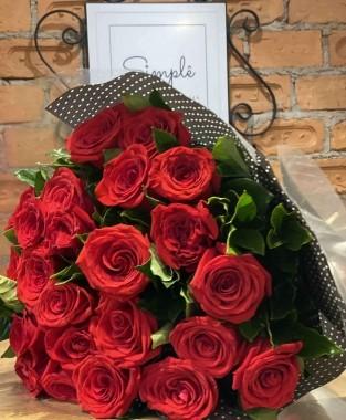 Buquê Afrodite 24 Rosas Colombianas