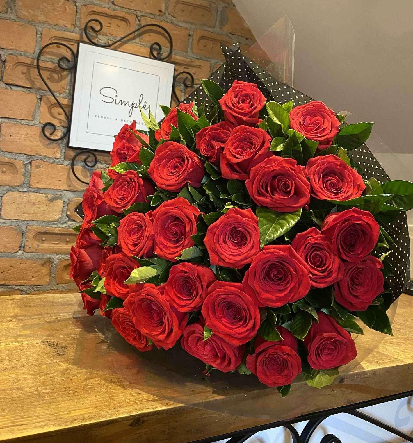 Buquê Afrodite 36 Rosas Colombianas