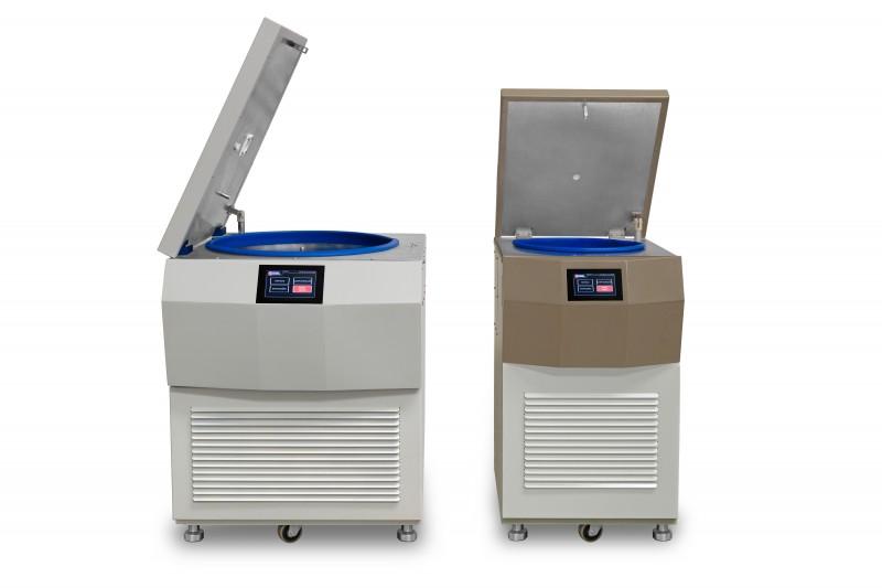 Centrífuga Refrigerada de Piso p/ Processamento de Bolsas de Sangue (Modelos CR4 / CR6 / CR12)