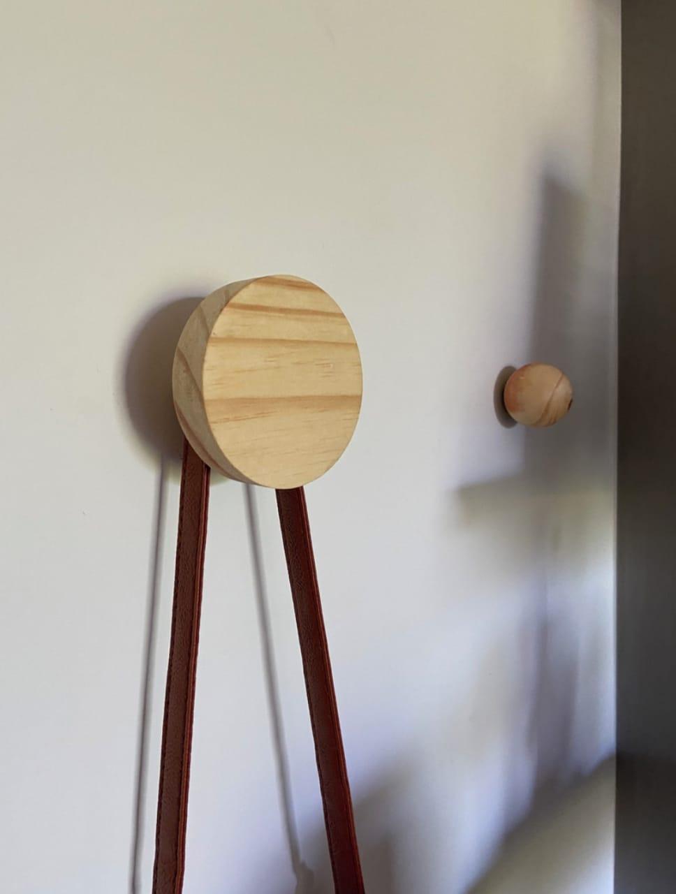 Cabide de parede madeira pinus