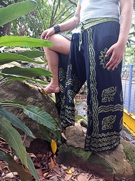Calça Indiana Pantalona Stone Fenda Premium Verde