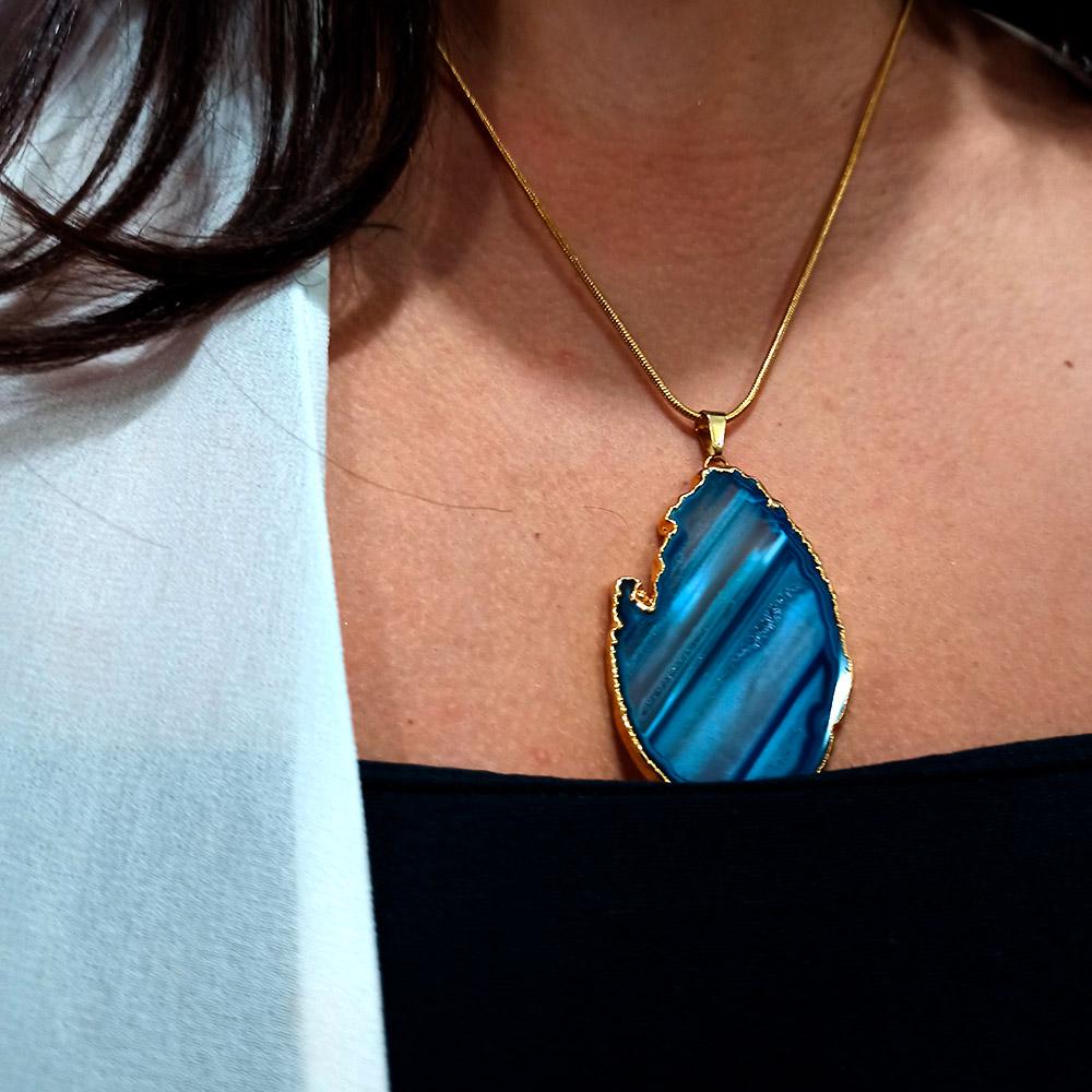Colar Amuleto Agata Azul Dourado