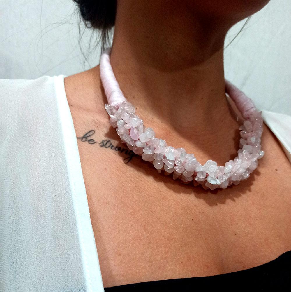 Colar Peruano Linha e Pedras Naturais Dread Rosa