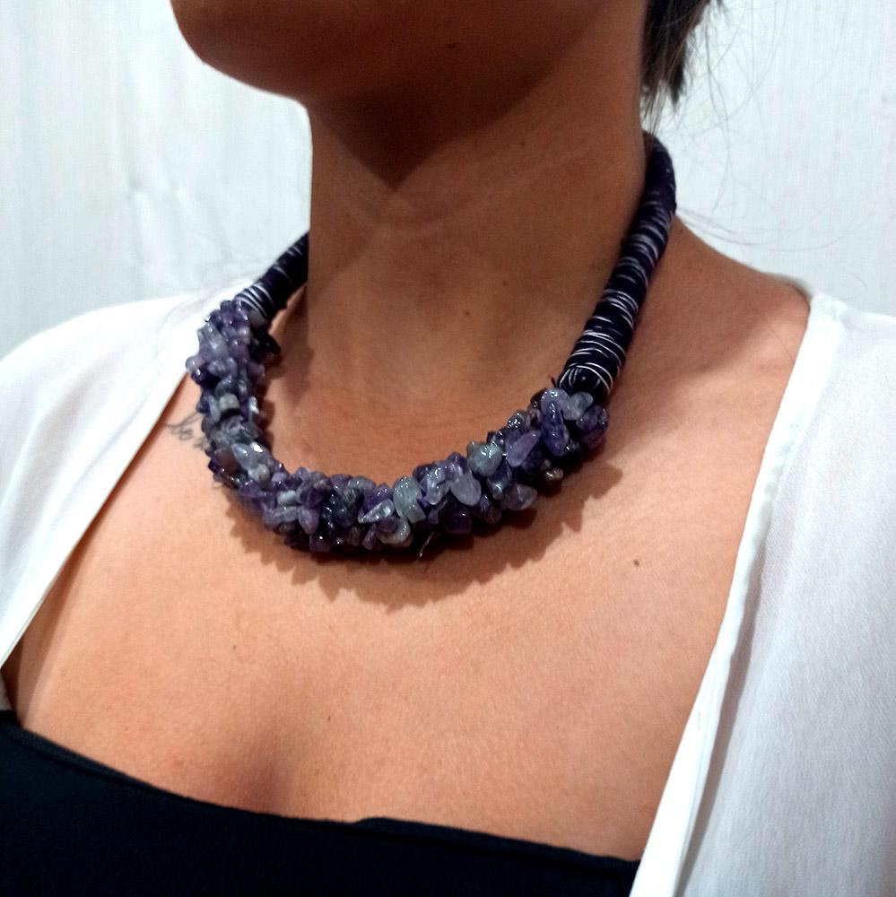 Colar Peruano Linha e Pedras Naturais Dread Lilas