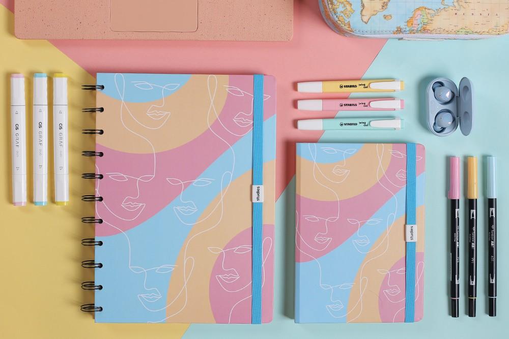Caderno Studies Pro Colors