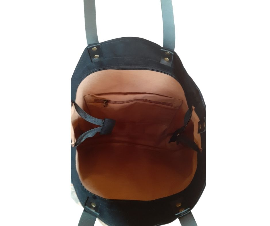 Bolsa maccril artesanal preta de tecido