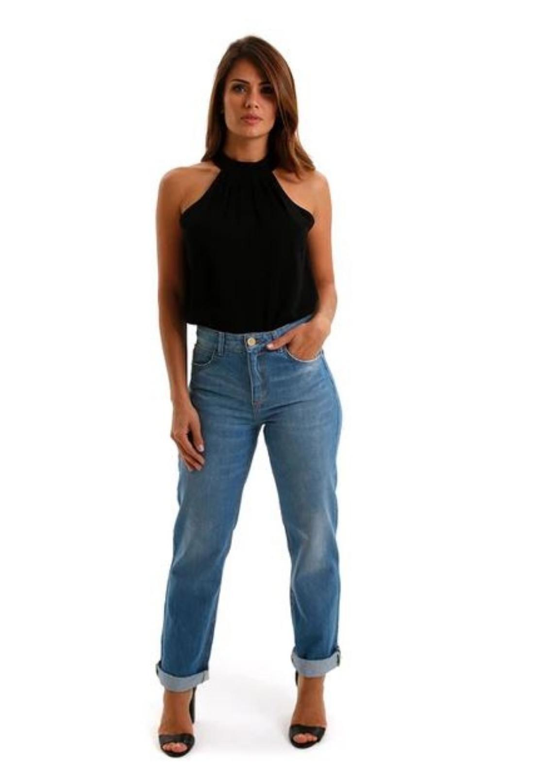 Calça Feminina Jeans Lavado Reta Detalhe Puídos Barra
