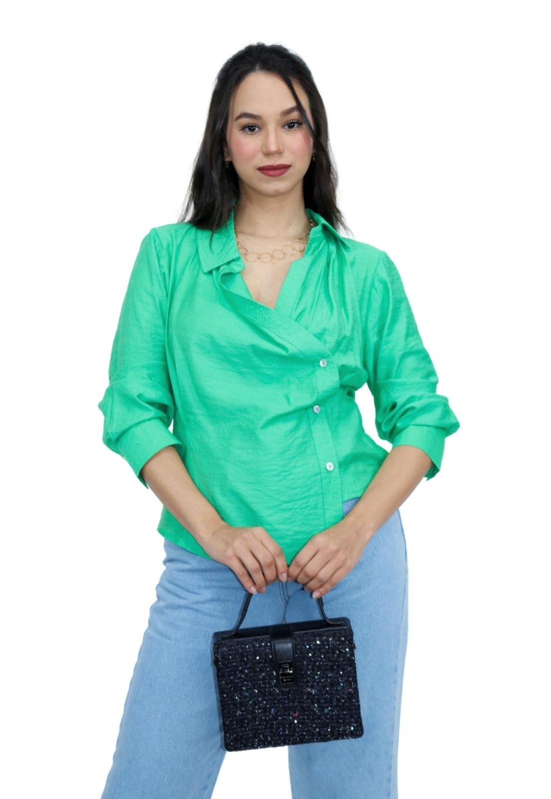 Camisa Feminina LInho Manga Longa Assimétrica Detalhe Botões